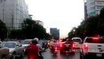 amazing ufo caught on the street - UFO Sightings 2018 - UFOs Caught On Tape