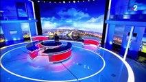 VIDEO. Oups, quelqu'un a oublié d'allumer la lumière au début du 20h de Anne-Sophie Lapix sur France 2