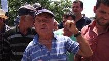 Rruga përfundon në kanal, banorët e Gosës në protestë - Top Channel Albania - News - Lajme