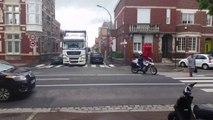 Accrochage entre un poids lourd et une voiture garée (Amiens)