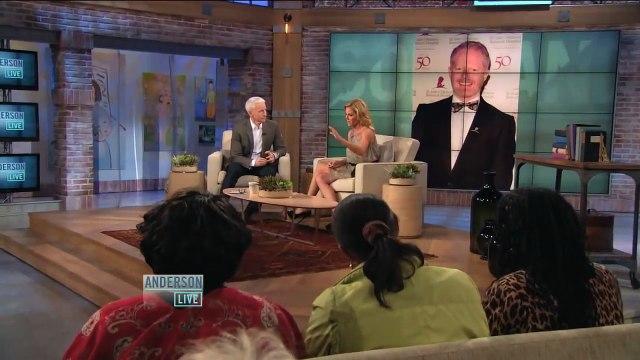 Julie Bowen on Cursing