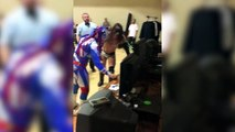 Wrestlers Stop Fighting To Play Mortal Kombat!