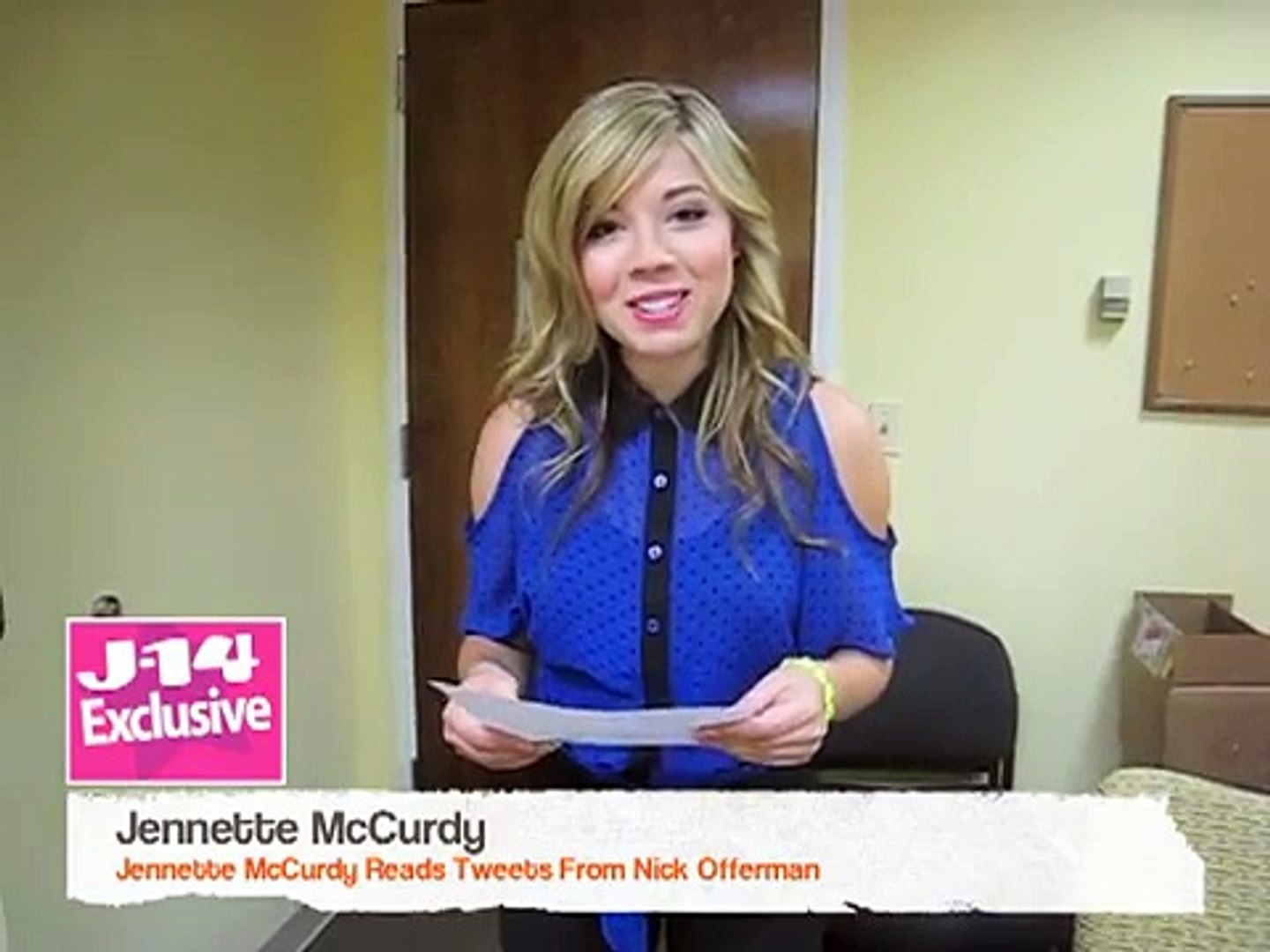 J 14 Exclusive Jennette Mccurdy Reads Tweets From Nick Offerman