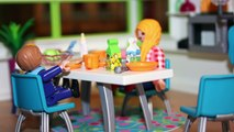 Playmobil Film deutsch - LINUS FÄLLT INS WASSER -PlaymoGeschichten - Kinderserie