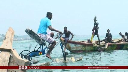VIDEO. Un Ghanéen a conçu une bicyclette qui roule sur l'eau