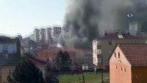 Sultanbeyli'de binanın çatı katı alev alev yandı