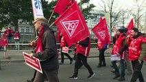 Streiks der IG Metall legen Autobauer lahm