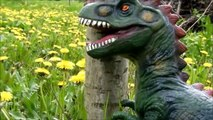 Big Indominus Rex vs Giganotosaurus. Dinosaurs Toys Battle