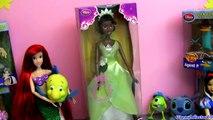 Princesa Tiana Boneca Coleção Princesas Disney do filme Disney A Princesa e o Sapo em portugues