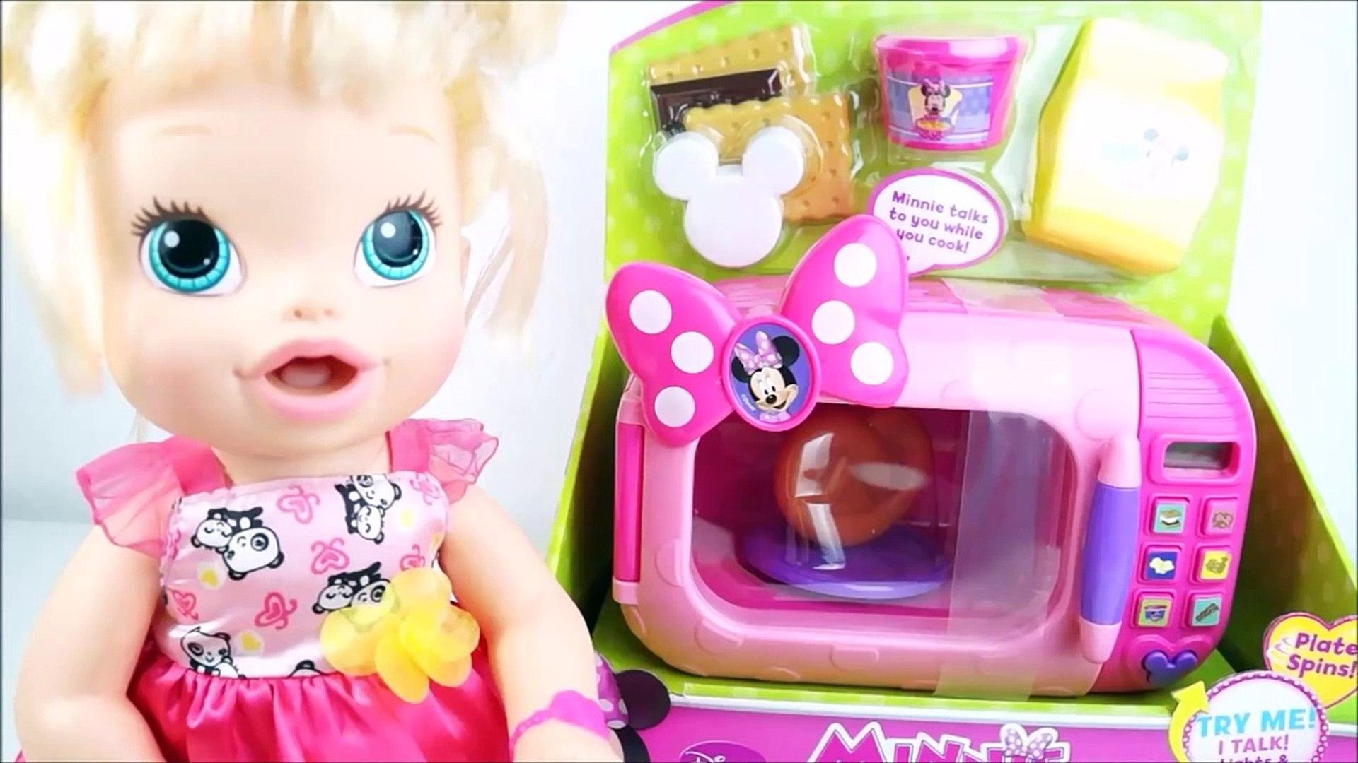 BABY ALIVE PLAY DOH Minha Boneca Fazendo Sanduiche de Massinha de Modelar no Microondas da Minnie