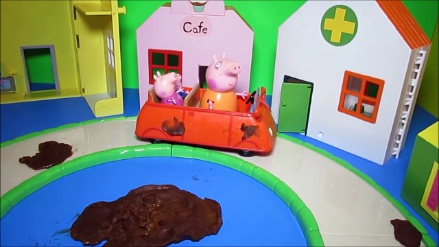 Peppa Pig Shopping Playset Mommy Driving Car to Toy Store & Bakery Shop Review by WD Toys