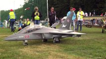 YAKOWLEW YAK-130 HUGE SCALE RC TURBINE JET WITH A VERY DETAILED COCKPIT