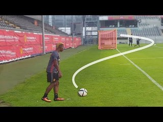 Top 15 Impossible Goals Behind The Net