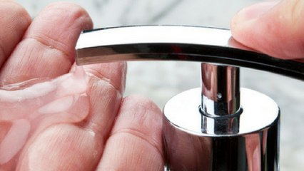 Bricolage : 3 astuces pour nettoyer ses mains facilement !