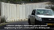Israel builds a wall on its border with Lebanon