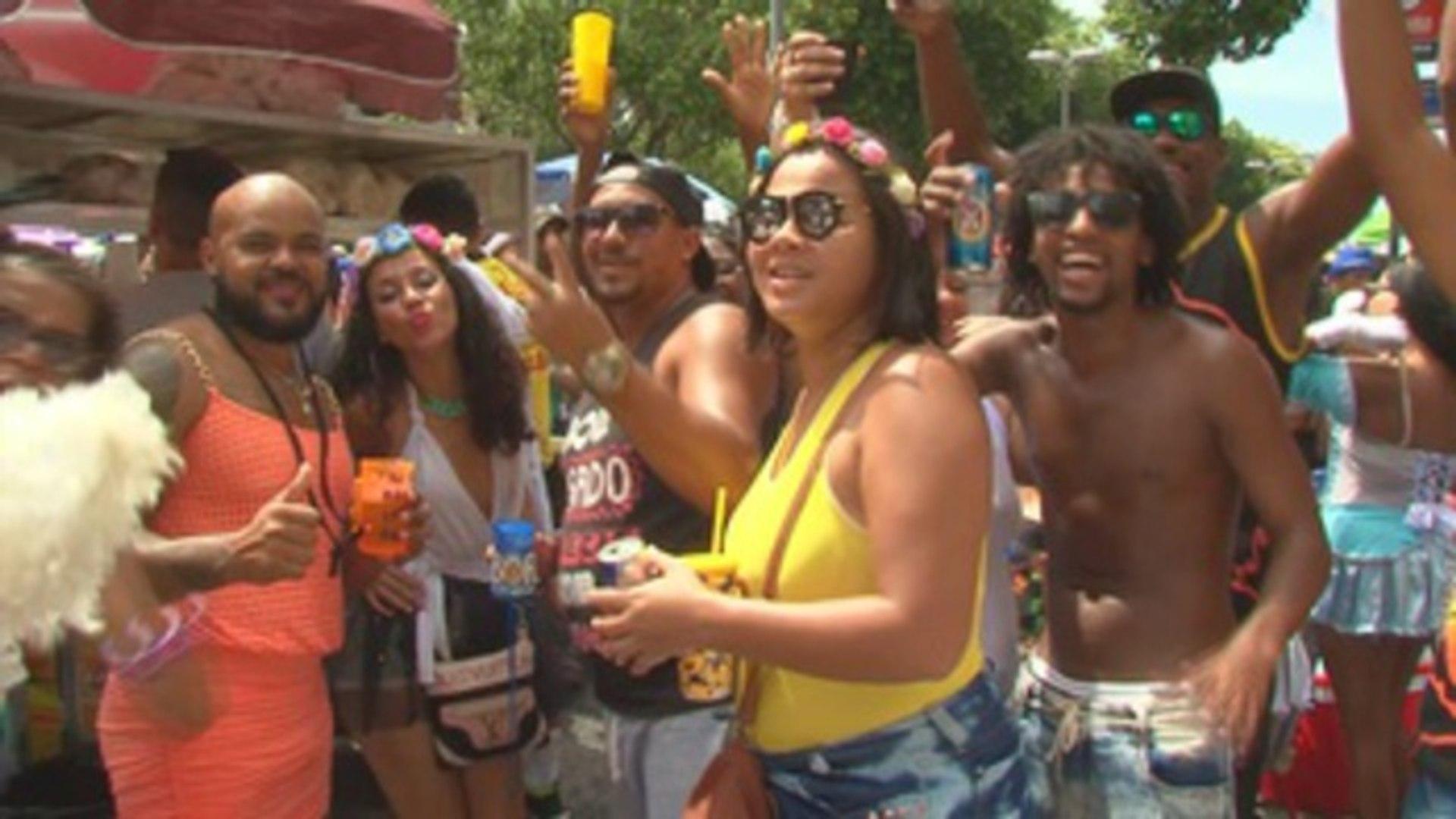 Recife y Río de Janeiro disfrutan de dos comparsas que divierten a millones en Brasil