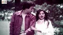 Scene featuring Nadeem & Babita from Film Door Desh (Other