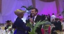 Emmanuel Macron danse en mode collé serré avec sa femme Brigitte lors d'un voyage à Dakar