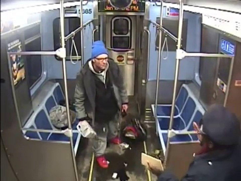 Ce taré met le feu au métro alors que la police vient l'arrêter