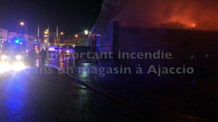 Un magasin détruit par un incendie à Ajaccio