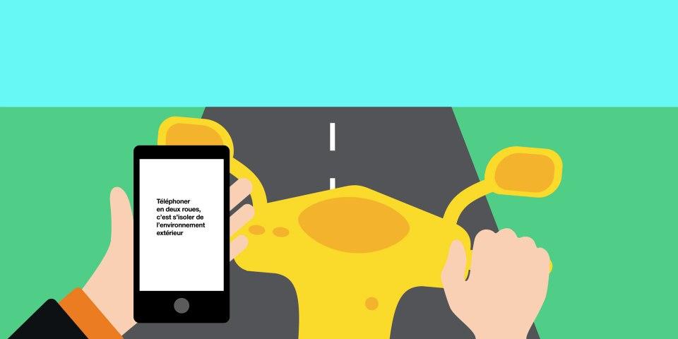 Téléphoner en deux roues, c'est s'isoler de l'environnement extérieur - #LaBonneConduite