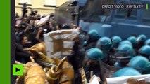 Violents heurts entre des manifestants anti-G7 et la police à Turin