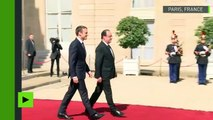 La passation de pouvoir terminée, François Hollande quitte l'Elysée