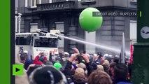 Les militaires belges manifestent pour leur retraite et affrontent la police à Bruxelles
