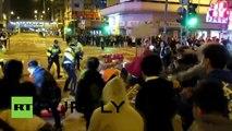 Hong Kong : la police affronte des vendeurs illégaux