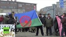 En Suède des Roms dans un camp à Malmö manifestent contre leur expulsion du pays