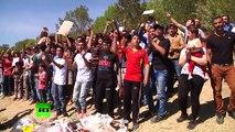 Des réfugiés syriens ont lancé une manifestation spontanée en Turquie