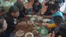 Ex-communist guerillas reunite for ancestral worship ceremony in Phitsanulok