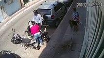 Un braqueur a essayé de voler la moto d'une femme , il obtient une grosse correction !
