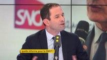 """#SNCF """"La responsabilité des pouvoirs publics c'est d'assurer une politique d'aménagement du territoire qui passe par le maintien de certaines lignes et gares."""" estime Benoît Hamon"""