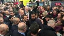 Emmanuel Macron sifflé par des agriculteurs