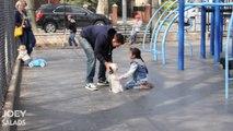 Ils prouvent à ces parents comment il est facile d'enlever des enfants grâce à un chien - expérience sociale flippante