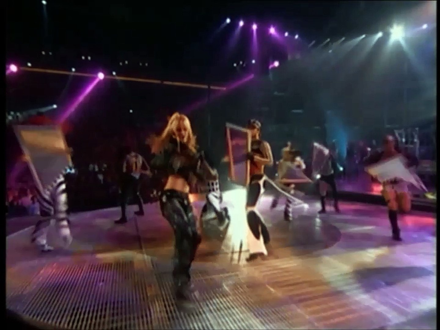 Britney Spears Youdrive Me Crazy Live From Las Vegas Video Dailymotion