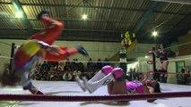 """""""Guerre des sexes"""" sur le ring dans le Mexique machiste"""