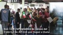 Un centenar de refugiados africanos buscan una nueva vida en Italia