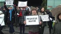 """Üsküdar Belediyesi Önünde """"Vakıflara Tahsis"""" Protestosu"""
