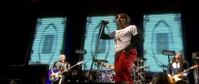 Red Hot Chili Peppers - Parallel Universe - Live at Slane Castle [HD]