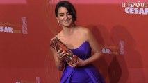 Almodóvar 'corona' a Penélope Cruz como 'emperatriz' del cine francés