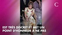 Le styliste de Brigitte Macron prend la pose à l'Elysée avec la Première dame et Anna Wintour