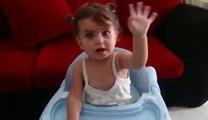 Does your baby like music?میوزک کی شوکین بچی