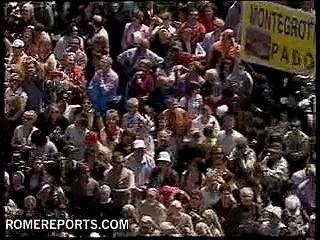 Pope prays for victims of swine flu