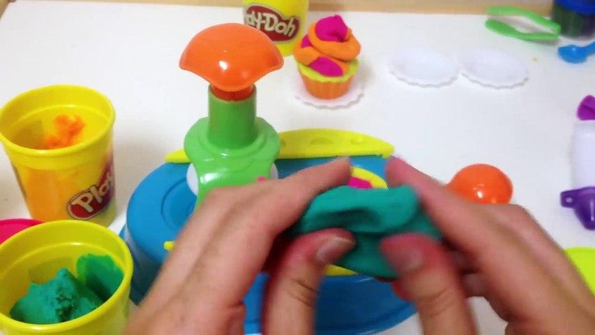 معجون أطفال - طين اصطناعي- طريقة عمل الكب كيك - Making cupcake With play doh