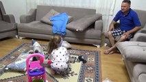 Uyanık Temizlikçi Ev Sahibine Yaptırıyor Temizliği