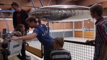 RC airship training (team Windreiter) - Arduino-controlled RC blimp flying indoor
