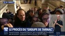 """Procès du """"Groupe de Tarnac"""": les huit prévenus arrivent au tribunal, masques de Julien Coupat sur le visage"""