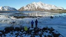 Norvège : aux Lofoten, on pratique le surf même en hiver